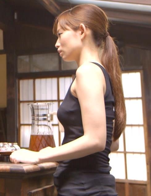 市川由衣 「都市伝説の女」でいい感じのおっぱいキャプ画像(エロ・アイコラ画像)