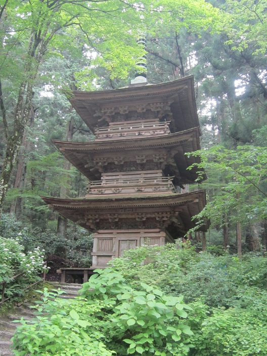 光前寺三重塔