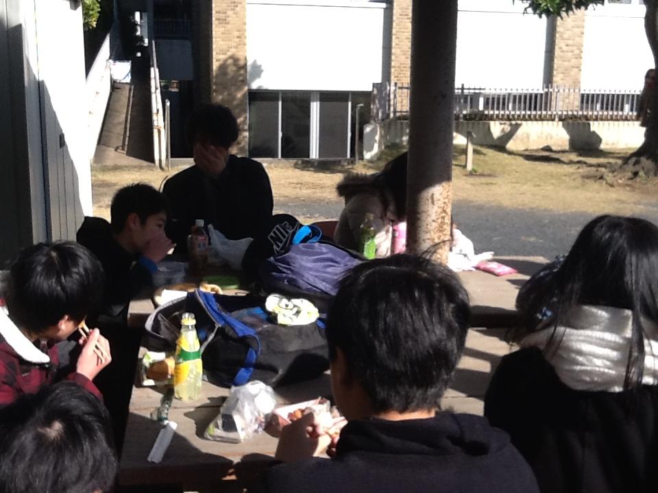chri4_lunch.jpg