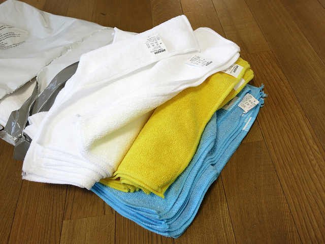 AmazonBasics_Microfiber_Cleaning_Cloth_04.jpg