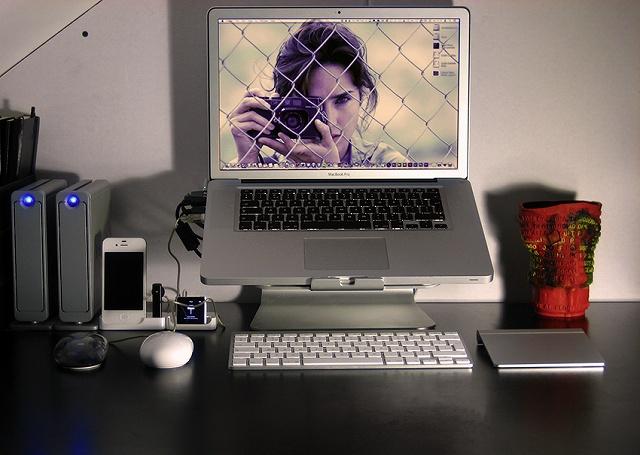 Desktop_Mac3_80.jpg