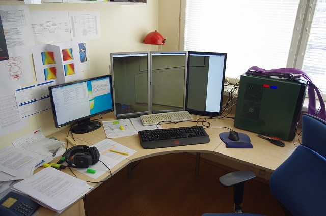 Desktop_MultiDisplay3_01.jpg
