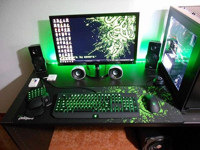Desktop_Razer6_01.jpg