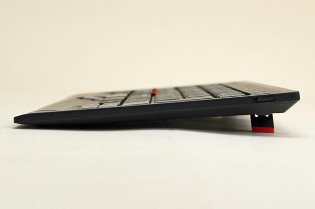 ThinkPad_Bluetooth_Keyboard_0B47181_04.jpg